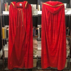 Red hooded cape/cloak ♥️
